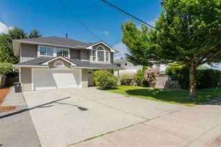 Photo 2: 2889 270A STREET in Langley: Aldergrove Langley House for sale : MLS®# R2377239