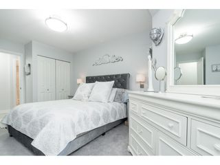 """Photo 8: 119 1850 E SOUTHMERE Crescent in Surrey: Sunnyside Park Surrey Condo for sale in """"SOUTHMERE PLACE"""" (South Surrey White Rock)  : MLS®# R2465271"""