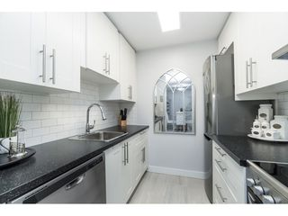 """Photo 5: 119 1850 E SOUTHMERE Crescent in Surrey: Sunnyside Park Surrey Condo for sale in """"SOUTHMERE PLACE"""" (South Surrey White Rock)  : MLS®# R2465271"""