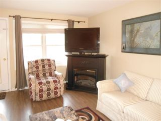 """Photo 5: 206 9124 GLOVER Road in Langley: Fort Langley Condo for sale in """"HERITAGE MANOR"""" : MLS®# R2477339"""