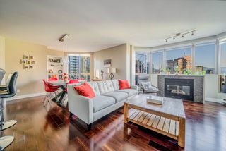 "Main Photo: 2605 867 HAMILTON Street in Vancouver: Downtown VW Condo for sale in ""JARDINE'S LOOKOUT"" (Vancouver West)  : MLS®# R2482295"