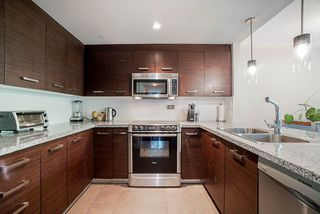 "Photo 2: 202 2959 GLEN Drive in Coquitlam: North Coquitlam Condo for sale in ""THE PARC"" : MLS®# R2482911"