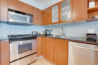 """Photo 10: 907 822 SEYMOUR Street in Vancouver: Downtown VW Condo for sale in """"L'ARIA"""" (Vancouver West)  : MLS®# R2507160"""