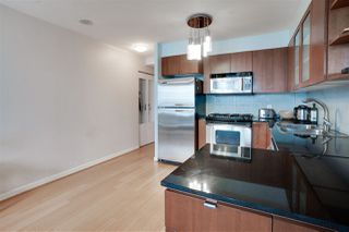 """Photo 8: 907 822 SEYMOUR Street in Vancouver: Downtown VW Condo for sale in """"L'ARIA"""" (Vancouver West)  : MLS®# R2507160"""