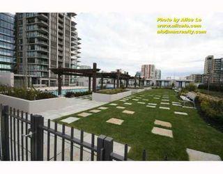 Photo 1: 1111 5811 NO 3 Road in Aqua: Home for sale : MLS®# V751282