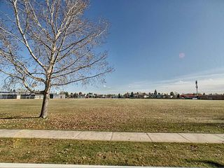 Photo 3: 25 14621 121 Street in Edmonton: Zone 27 Townhouse for sale : MLS®# E4179148