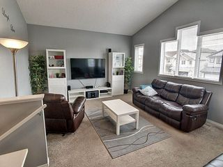 Photo 11: 3908 166 Avenue in Edmonton: Zone 03 House for sale : MLS®# E4184864