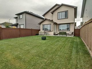 Photo 2: 3908 166 Avenue in Edmonton: Zone 03 House for sale : MLS®# E4184864