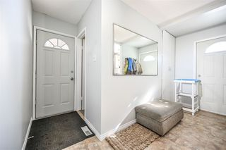 Photo 2: 98 GREENFIELD Estates: St. Albert Townhouse for sale : MLS®# E4192233