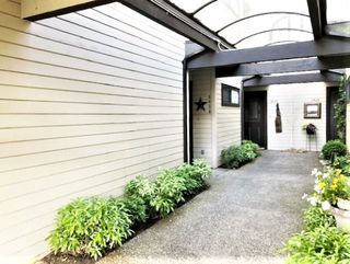 """Photo 4: 3628 NICO WYND Drive in Surrey: Elgin Chantrell Townhouse for sale in """"Nico Wynd Estates"""" (South Surrey White Rock)  : MLS®# R2457254"""