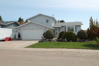 Photo 1: 5109 54A Street: Elk Point House for sale : MLS®# E4198809