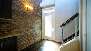 Photo 3: 404 10808 71 Avenue in Edmonton: Zone 15 Condo for sale : MLS®# E4208202
