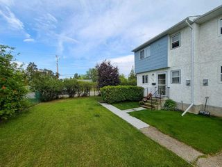 """Photo 4: 117 4020 MCLEOD Avenue in Prince George: Highglen Townhouse for sale in """"HIGHGLEN"""" (PG City West (Zone 71))  : MLS®# R2486432"""