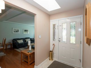 Photo 4: 5168 Coach House Dr in : Na North Nanaimo House for sale (Nanaimo)  : MLS®# 855607