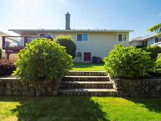 Photo 10: 5168 Coach House Dr in : Na North Nanaimo House for sale (Nanaimo)  : MLS®# 855607