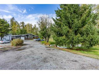 Photo 4: 26915 48 Avenue in Langley: Salmon River House for sale : MLS®# R2501939