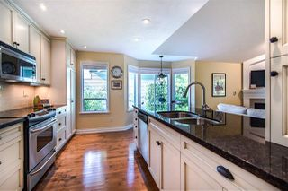 """Photo 15: 117 101 PARKSIDE Drive in Port Moody: Heritage Mountain Townhouse for sale in """"TREETOPS"""" : MLS®# R2502007"""