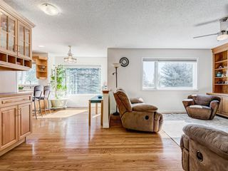 Photo 8: 48 VALLEY MEADOW Close NW in Calgary: Valley Ridge Detached for sale : MLS®# A1037386