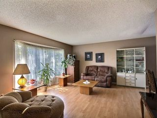 Photo 2: 9236 172 Avenue in Edmonton: Zone 28 House for sale : MLS®# E4166364