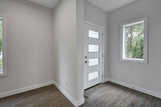 Photo 4: Unit 1 10917 68 Avenue NW in Edmonton: Zone 15 Duplex Front and Back for sale : MLS®# E4168992