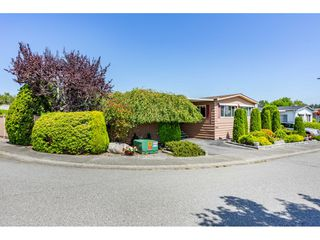 Photo 2: 15851 Norfolk Road in Surrey: King George Corridor Manufactured Home for sale (South Surrey White Rock)
