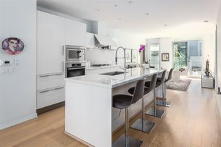 "Photo 6: 201 170 ATHLETES Way in Vancouver: False Creek Condo for sale in ""Bridge"" (Vancouver West)  : MLS®# R2401471"