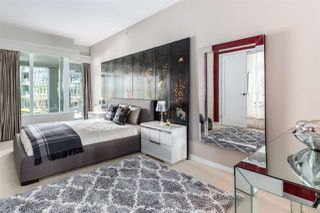 "Photo 10: 201 170 ATHLETES Way in Vancouver: False Creek Condo for sale in ""Bridge"" (Vancouver West)  : MLS®# R2401471"