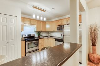 "Photo 8: 305 301 MAUDE Road in Port Moody: North Shore Pt Moody Condo for sale in ""HERITAGE GRANDE"" : MLS®# R2427216"