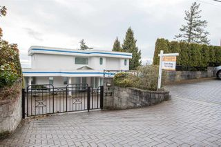 Photo 2: 14210 MARINE Drive: White Rock House for sale (South Surrey White Rock)  : MLS®# R2428075