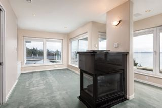 Photo 14: 14210 MARINE Drive: White Rock House for sale (South Surrey White Rock)  : MLS®# R2428075