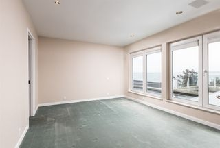 Photo 16: 14210 MARINE Drive: White Rock House for sale (South Surrey White Rock)  : MLS®# R2428075