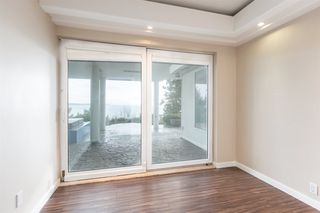 Photo 18: 14210 MARINE Drive: White Rock House for sale (South Surrey White Rock)  : MLS®# R2428075