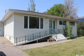 Photo 2: 408 Walter Street in Stoughton: Residential for sale : MLS®# SK810461