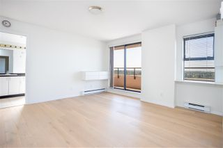 "Photo 7: 1505 6611 COONEY Road in Richmond: Brighouse Condo for sale in ""MANHATTAN TOWER"" : MLS®# R2476163"