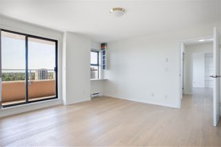 "Photo 8: 1505 6611 COONEY Road in Richmond: Brighouse Condo for sale in ""MANHATTAN TOWER"" : MLS®# R2476163"