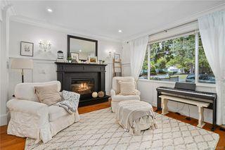 Photo 2: 745 Miller Ave in Saanich: SW Royal Oak House for sale (Saanich West)  : MLS®# 842420