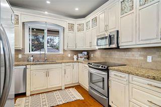 Photo 5: 745 Miller Ave in Saanich: SW Royal Oak House for sale (Saanich West)  : MLS®# 842420