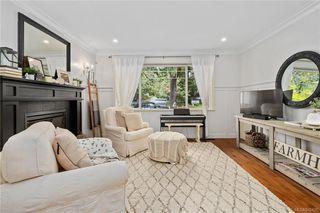 Photo 4: 745 Miller Ave in Saanich: SW Royal Oak House for sale (Saanich West)  : MLS®# 842420