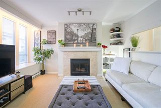 "Photo 4: 203 2825 ALDER Street in Vancouver: Fairview VW Condo for sale in ""Breton Mews"" (Vancouver West)  : MLS®# R2480515"