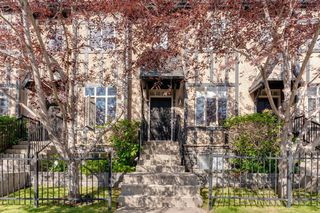 Photo 2: 16 6 SCARPE Drive SW in Calgary: Garrison Woods Row/Townhouse for sale : MLS®# A1023915
