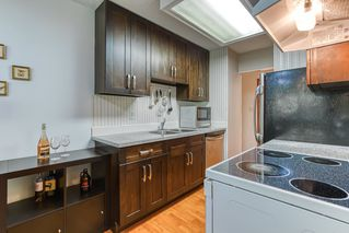 """Photo 8: 402 5340 HASTINGS Street in Burnaby: Capitol Hill BN Condo for sale in """"CEDARWOOD"""" (Burnaby North)  : MLS®# R2408807"""