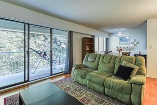 """Photo 4: 402 5340 HASTINGS Street in Burnaby: Capitol Hill BN Condo for sale in """"CEDARWOOD"""" (Burnaby North)  : MLS®# R2408807"""