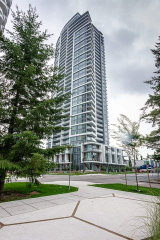 "Photo 2: 3304 13308 CENTRAL Avenue in Surrey: Whalley Condo for sale in ""Evolve"" (North Surrey)  : MLS®# R2452508"