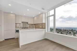 Photo 6: 2105 5051 IMPERIAL Street in Burnaby: Metrotown Condo for sale (Burnaby South)  : MLS®# R2401923