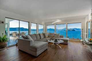 "Photo 9: 8235 PASCO Road in West Vancouver: Howe Sound House for sale in ""Pasco Estates"" : MLS®# R2403003"