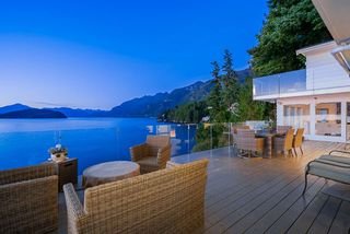 "Photo 19: 8235 PASCO Road in West Vancouver: Howe Sound House for sale in ""Pasco Estates"" : MLS®# R2403003"