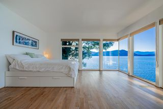 "Photo 13: 8235 PASCO Road in West Vancouver: Howe Sound House for sale in ""Pasco Estates"" : MLS®# R2403003"
