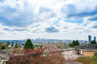 "Photo 11: 102 5688 HASTINGS Street in Burnaby: Capitol Hill BN Condo for sale in ""Oro"" (Burnaby North)  : MLS®# R2463254"