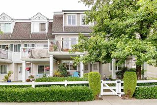 "Main Photo: 45 8930 WALNUT GROVE Drive in Langley: Walnut Grove Townhouse for sale in ""HIGHLAND RIDGE"" : MLS®# R2472618"