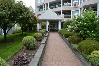 Main Photo: 318 11605 227 Street in Maple Ridge: East Central Condo for sale : MLS®# R2495059